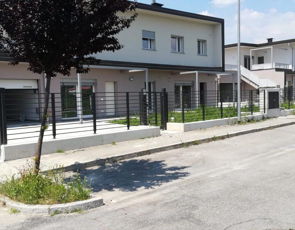 cmc recinzioni-cantiere Bolgare-Recinzione modello village