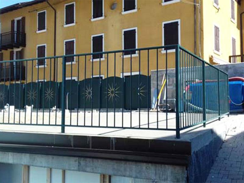 cmc parapetti-cantiere hotel adriana ledro-parapetto modello liscia
